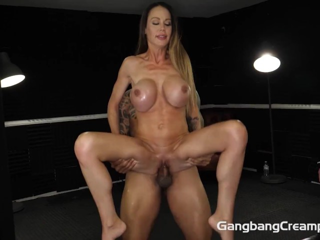 Sexy Thick Milf Squirting