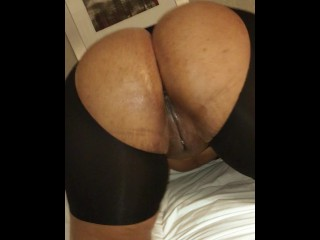 Majiik Montana Fucks Lethal Lipps Pussy & Asshole Until She Squirts All Ove