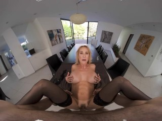 VR BANGERs Busty Lover Escaped From Jail To Bangs You Deep VR Xxx video