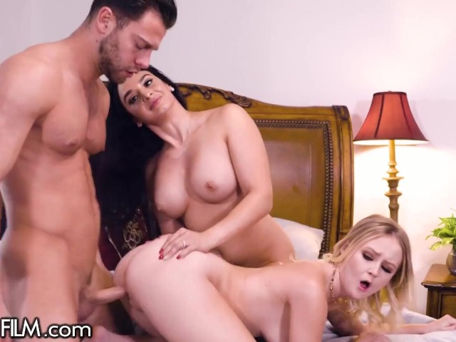 Wife Catches Husband Mistress