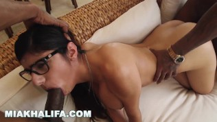 MIA KHALIFA - Where The Real Brothas At!? Leave A Comment Below