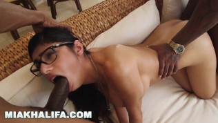 MIA KHALIFA – Where The Real Brothas At!? Leave A Comment Below