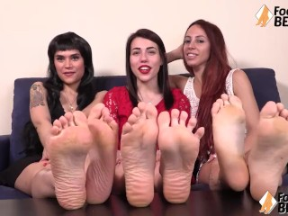 Three sexy girls spreading her toes and showing feet
