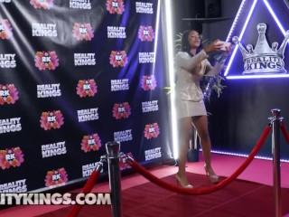 Reality Kings - Ebony influencer Jenna Foxx fucks white dick