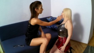 Sadistic Glamour Girls slapping guys