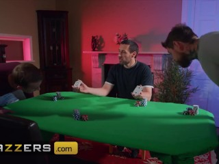 Brazzers - Sexy babe Honour takes the boys to the cleaners at poker night