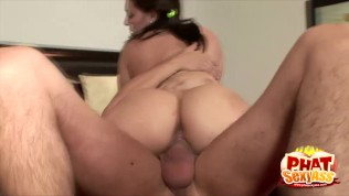 phat butt gracie glam bouncing up and down