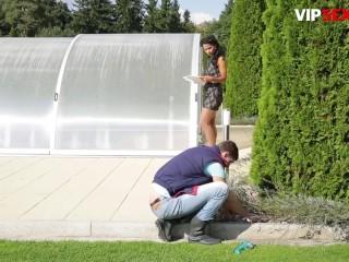 PinUp Sex - Hot Ebony Babe Isabella Chrystin Intense Orgasms From Gardener