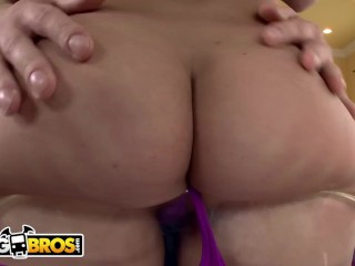 BANGBROS - Petite PAWG Remy LaCroix Taking Anal From Mike Adriano