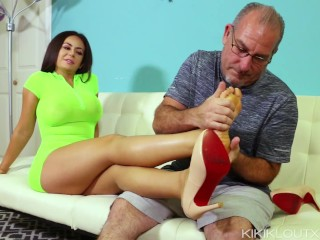 Step-Mom Gives Her First Footjob to Daughters Mature Husband