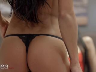 Lesbea latina babe andreina de luxe and lexi dona pussy licking lesbian 69