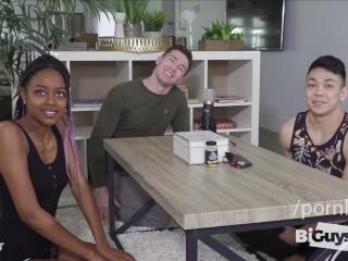 Interracial/bi sexual teens play threesome
