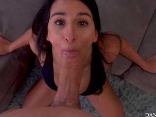 Begs To Cum In Her Mouth After Being Pounded With Freutoy Inside