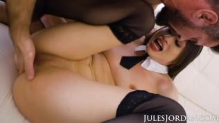 Jules Jordan – Sexy Squirting School Girl Liv Wild