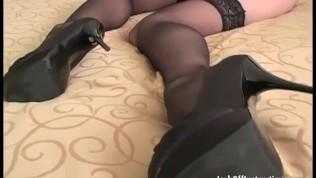 Jerking to Samantha's stockings. Samantha Ryan JOI