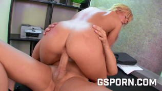Hot Natural Secretary Is Fucked Hard By Her Boss In New Office