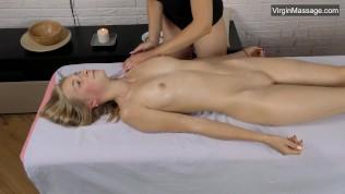 Lizka Gerenda Чувственный массаж с влажной киской