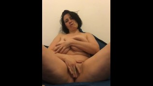 Huge Natural Boobs Bounce As Mature Plays With Her Dildo | Cam4