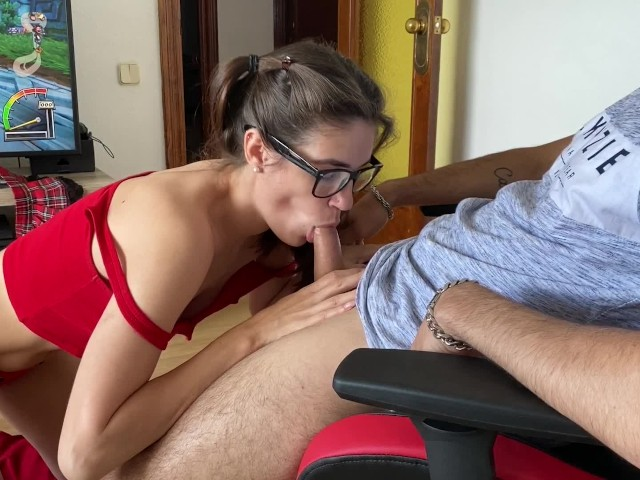 Blowjob While Playing Games