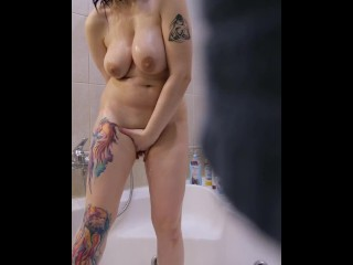 My young neighbor masturbates on bath – Hidden Cam. Day 2