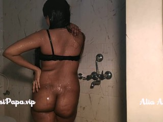 Desi School girl Slut Alia Advani In Roasting hot Shower