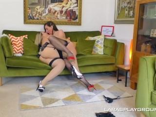 UK MILF Makes Chunky Babe Worship her Feet