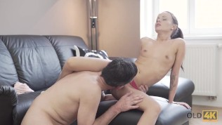 OLD4K. Coquettish miss seduces old rock'n'roll dude for hard sex