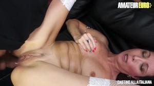 Casting anale per la bella Sissy Neri