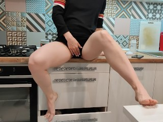 my pregnant wife love to be fucked at kitchen