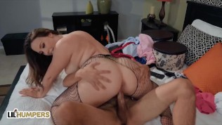 LIL Humpers – Curvy Blonde Chanel Preston Loves Getting Her Pussy Fuck