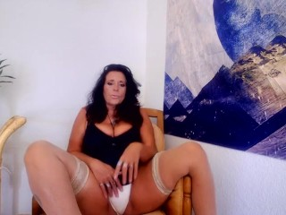 AMATEUR MATURE mom makes you edge and JOI for my fat pussylips