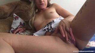 My neighbor left his wife in the shower and came to give me a quickie creampie