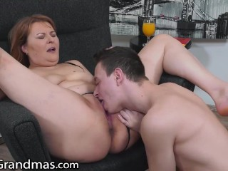 Boiling hot Granny Secures Drilled In The Morning