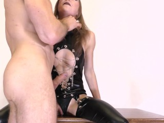 FIT GIRL LOVE ASS TO THROAT FUCK AND EATING ANAL CREAMPIE