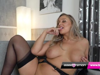 Buxon British sex videos star Beth showing you that large booty