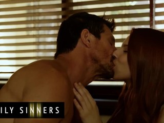 Family Sinners - When No Ones Is Around Step Daughter Jillian Janson & Step Dad Tommy Gunn Doing It