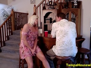 A Slutty Housewife Knows How to Get Fucked