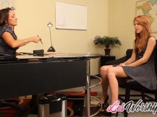 Teen Lesbian Schoolgirl Seduces a MILF - LesWorship