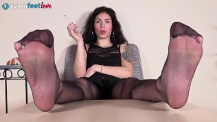 Sexy Brunette In Pantyhose Shows Feet