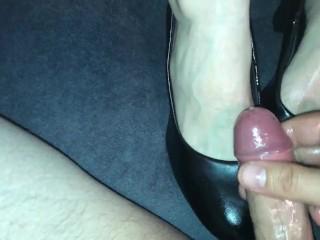 BIGGEST CUM ON FEET COMPILATION EVER!!! Amateur milf feet, soles, socks, nylon. More than 90 cums!