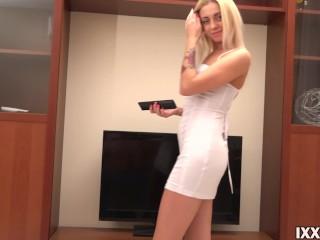 Horny neighbor's wife Amelia good fucked