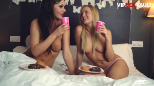 PornDoePedia – возбужденная британка Тина Кей и Сицилия испачкается с ее лучшей подругой в горячем лесбийском экшене