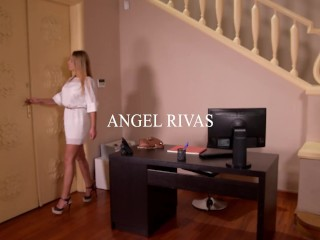 Delivery boy's lucky day double penetration banging naughty Angel Rivas with her boss