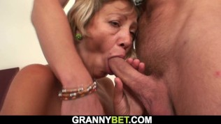 Old maid let herself be fucked by the owner