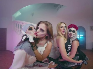 Halloween Is Perfect Time For Wild Group Orgy And 4 Horny Hotties