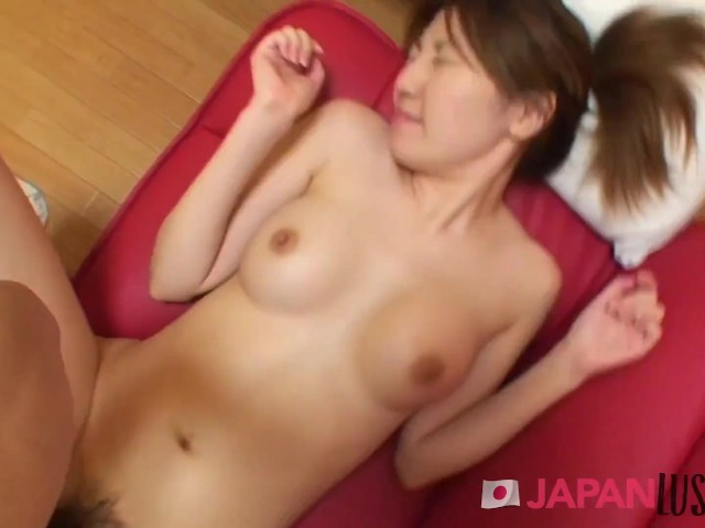 Amateur Babe With Nice Boobs And Wet Pussy