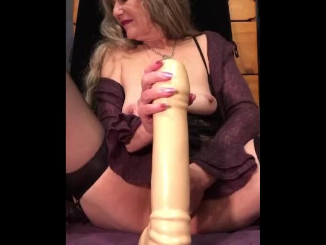 Mature Amateur Dildo Orgasm