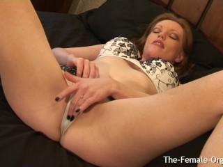 Big tits/throbbing/orgasms her clit milf multiple