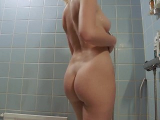 Teens fuck in Anal in the Bathroom