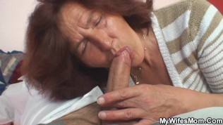 Mature milf loves young cock in her pussy